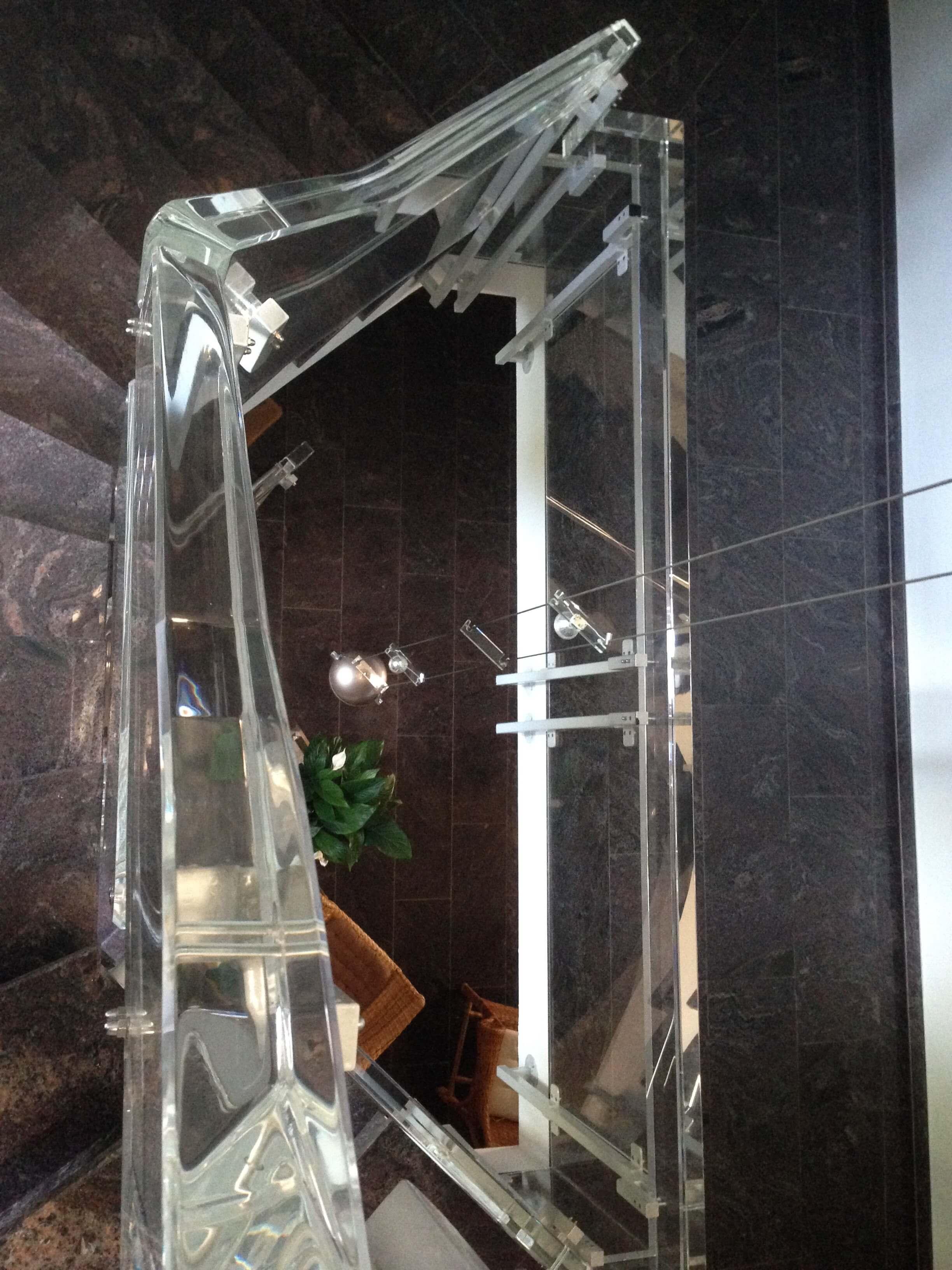 Plexiglas Treppenhaus Geländer