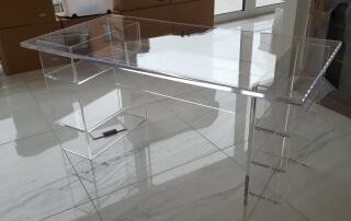 Möbel aus Plexiglas 2