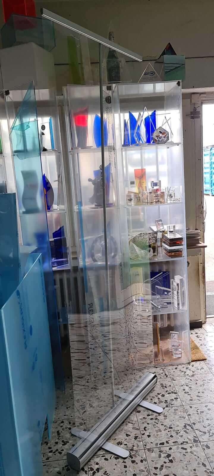 Mobiler Spuckschutz - Roll up mit transparenter Folie