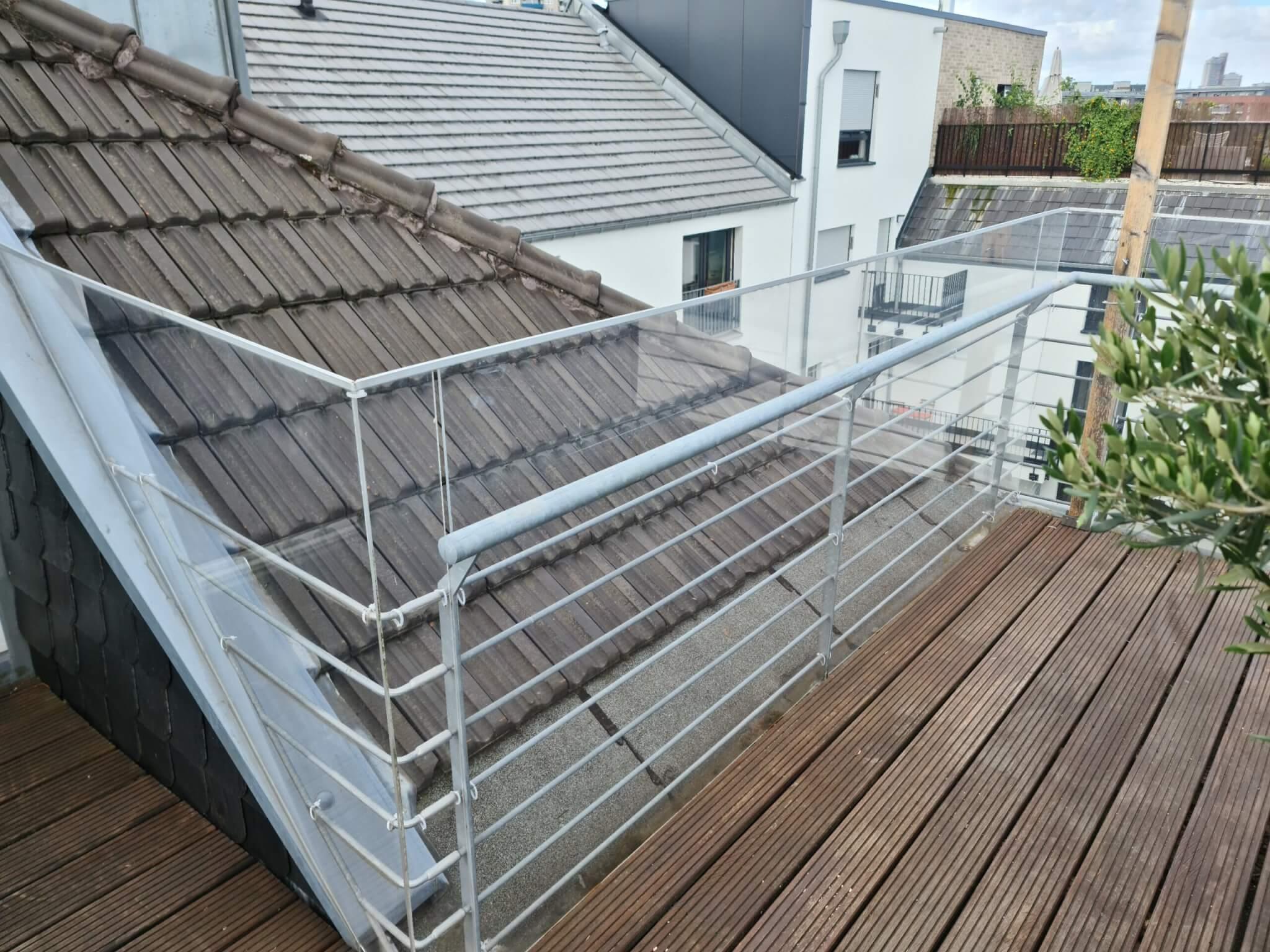 Balkon Schutzverkleidung / Wind 1