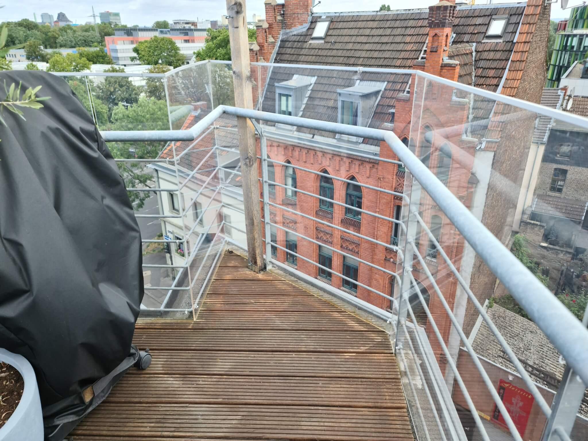 Balkon Schutzverkleidung / Wind