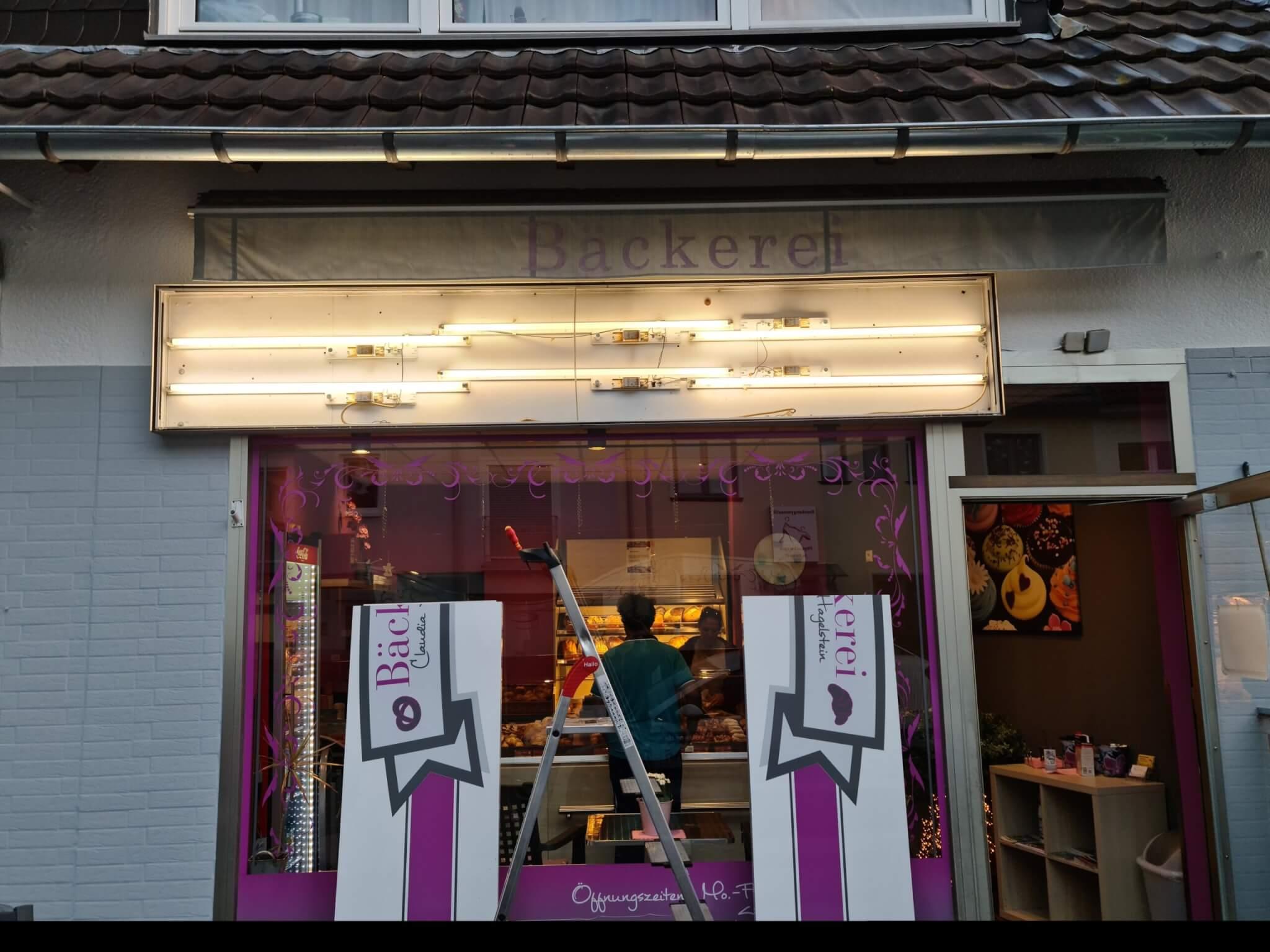 Außenwerbung Leuchtkasten Bäckerei Reparatur