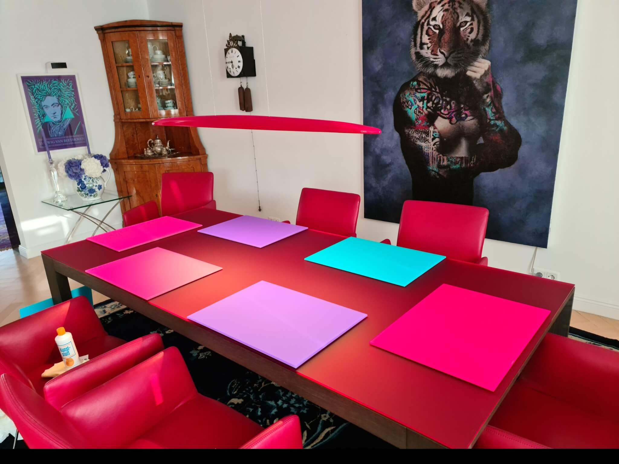 Plexiglas Tischplatte mit Platzsets Satiniert