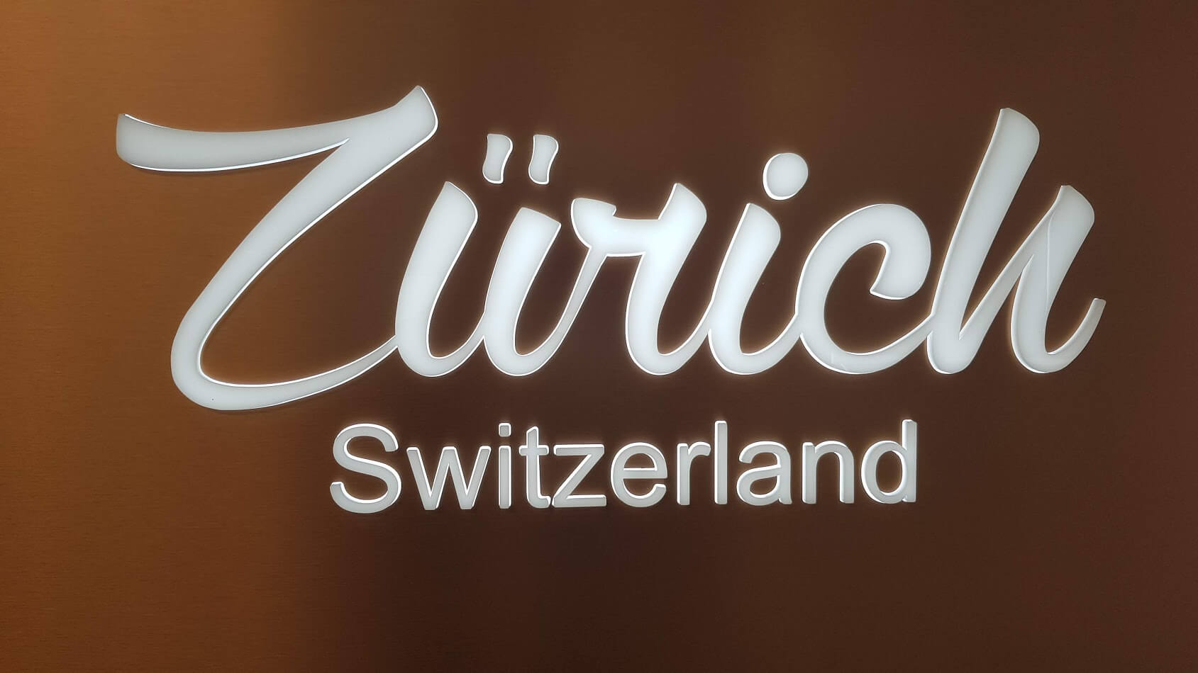 Profil Steckbuchstarben Zürich hinterleuchtet