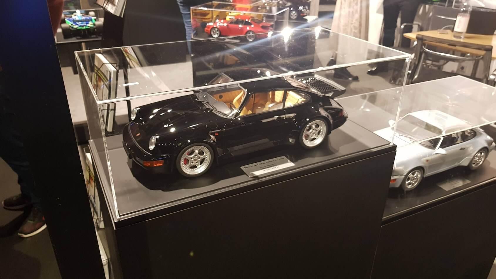 Stülphaube für Messe Porsche Model